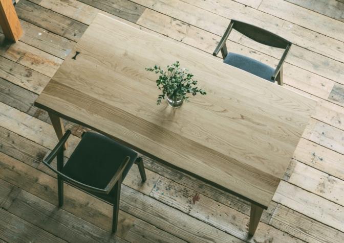 Patina, Kawame table