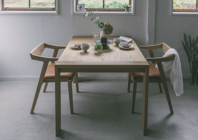 Patina, Dining table
